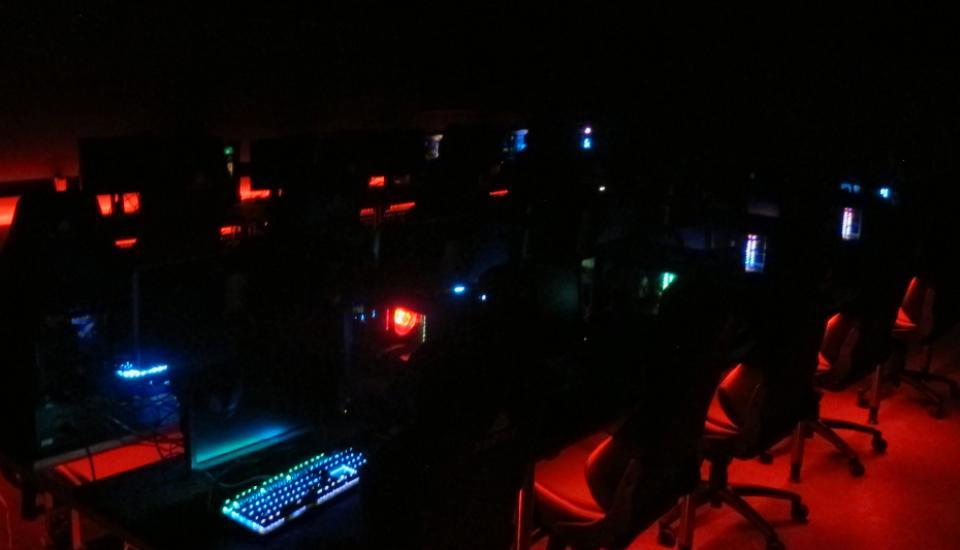 Stemningen i rummet kan hurtigt ændres ved et farveskift i LED belysningen